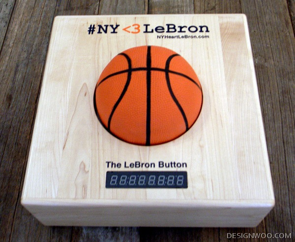 #NY <3 LeBron = Buttons IRL + Twitter
